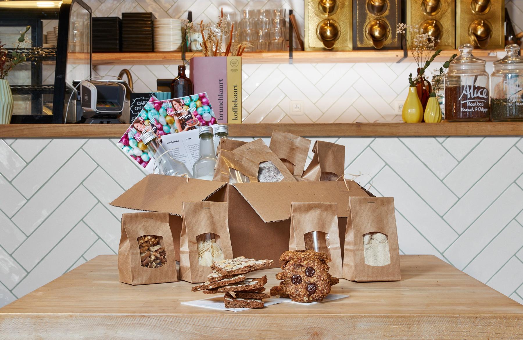 Bak-het-zelf koekjesbox ook BPost  - Toevallig wat tijd over Wees creatief en bak zelf 3 soorten guiltfree koekjesbr Recepten inbegrepen